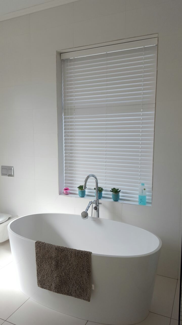 bathroom blinds. the best bathroom blinds
