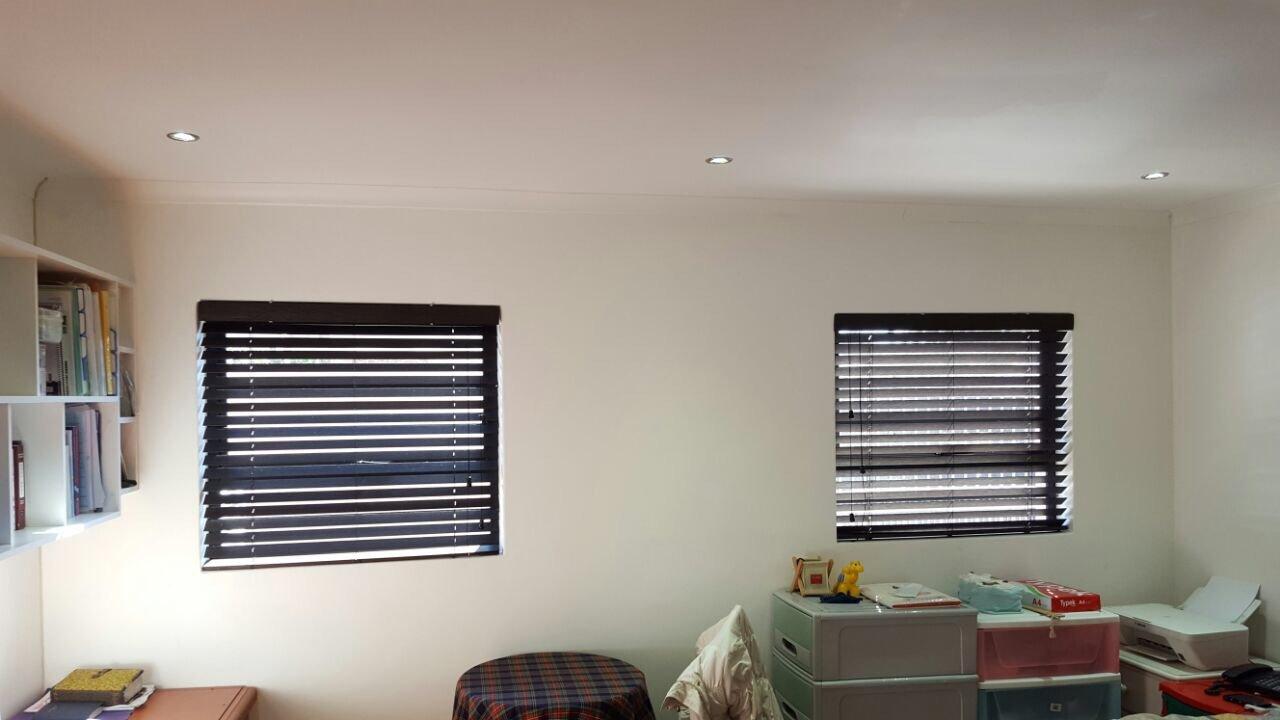 Black bathroom blinds - Bamboo Venetian Blinds