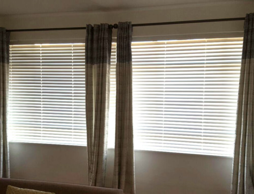 Redecorate your home with these Wooden Venetian Blinds